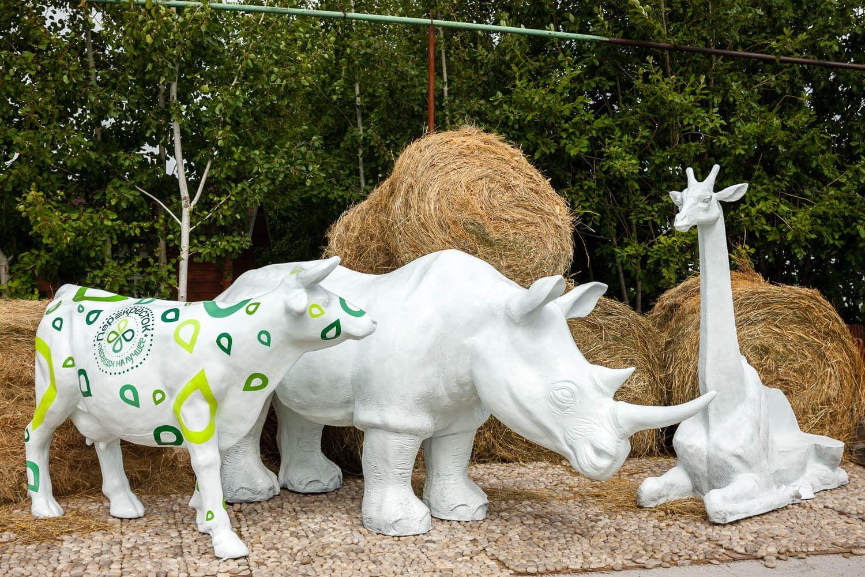 Фигуры в белом цвете - современный подход к декорированию