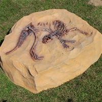 крышка люка из искусственного камня