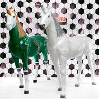 ростовая фигура коня футбольного