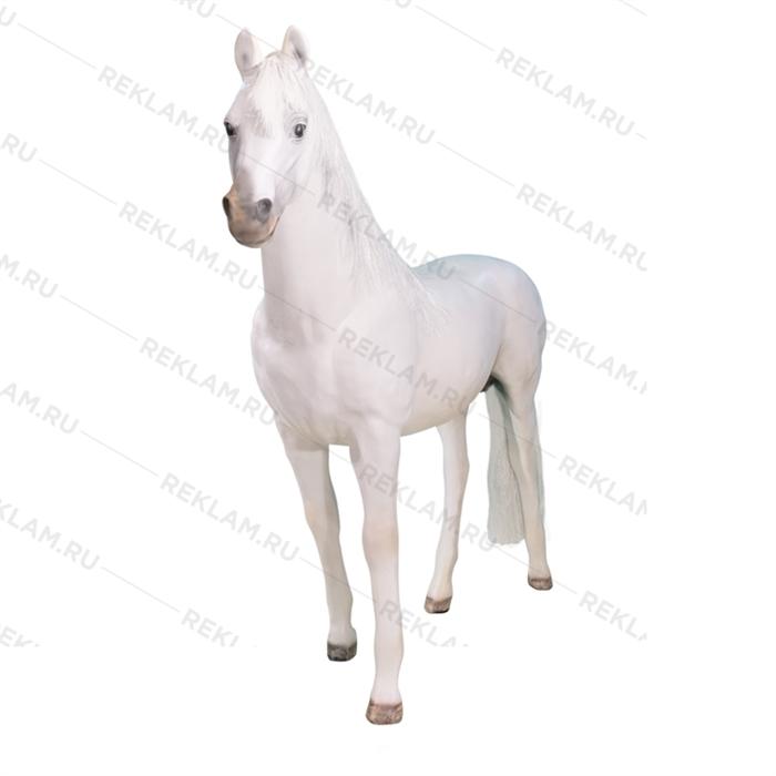 фигура коня с натуральной гривой