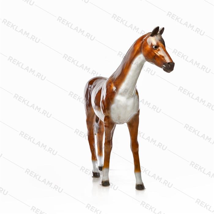 Ростовая фигура Лошадь бурая, пластик, 230 x 190 см. - фото 7360