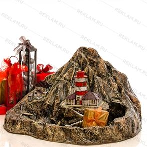 декоративный фонтан маяк на скале