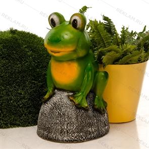 Садовая фигура Лягушонок на камне