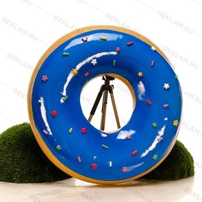 большой муляж пончик