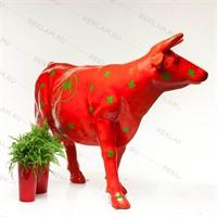 объемная рекламная фигура коровы