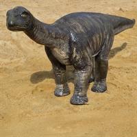 большая фигура динозавра