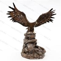 большой фонтан орёл на камне