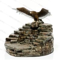 декоративный фонтан с орлом
