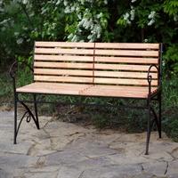 парковая деревянная скамейка
