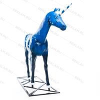 рекламная фигура лошадь