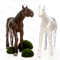 фигура лошади для сада