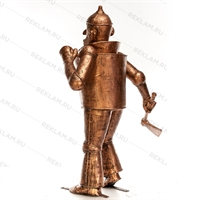 Сказочная фигура железный дровосек