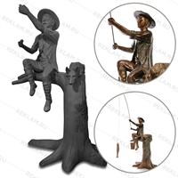 Парковая скульптура Рыбак на дереве
