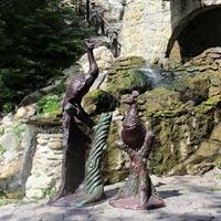 бронзовая скульптура из пластика